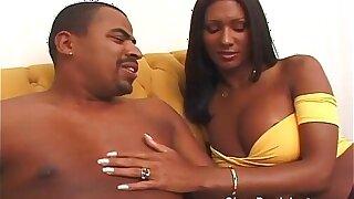 Ebony shemale loves a big knavish cock
